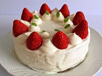 ショートケーキ(18cm円型)レシピ!スポンジケーキからの作り方