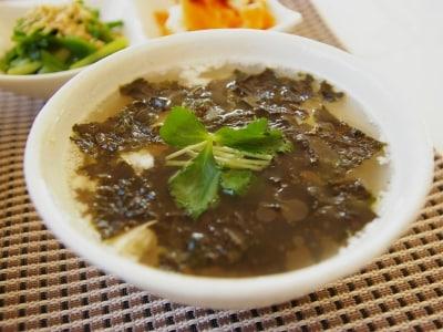 火も包丁も使わない。豆腐と韓国海苔のレンチンスープ