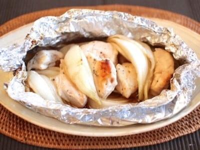 ダイエットにもおすすめ鶏胸肉レシピ…新たまねぎと鶏肉のホイル蒸し