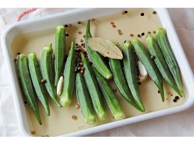 オクラのピクルスの作り方!ニンニク香る野菜料理レシピ