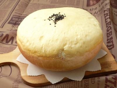 炊飯器で作る 大きな生クリームあんパン