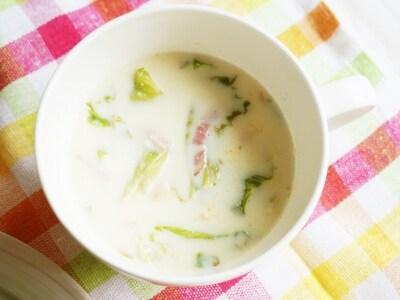 簡単レンチン! レタスとベーコンのごま豆乳スープ