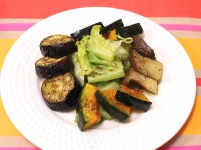 特製ドレッシングと秋野菜のグリルサラダ