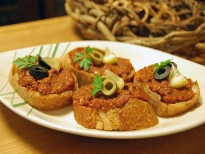 トルコ料理:くるみのピリ辛ペースト