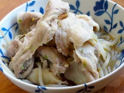 豚肉ともやしの蒸ししゃぶ柚子胡椒風味