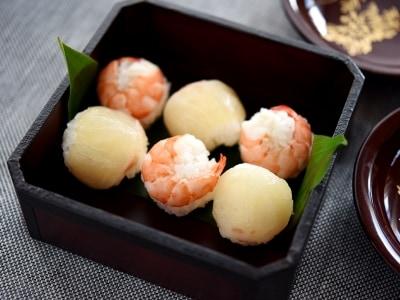鯛とえびの紅白手まり寿司