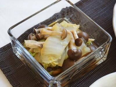 簡単レンチンレシピ。白菜のとしめじの柚子胡椒蒸し