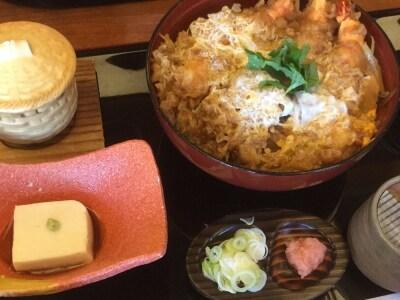 鎌倉新名物「鎌倉丼」は、海老を使った丼料理