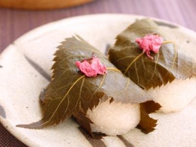 やっぱりおいしい!蒸し器で作る本格桜餅「道明寺」