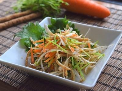 生の新ごぼうどっさりサラダ!野菜大量消費レシピ