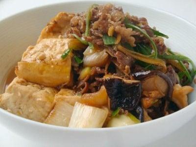 肉豆腐の簡単レシピ!牛肉を使った時短献立の作り方
