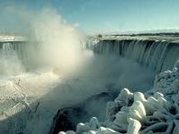 凍てつく冬のナイアガラの滝undefined(C)TourismOntario