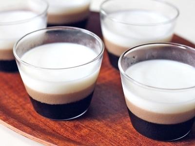 お洒落で簡単!3層のミルクコーヒーゼリー