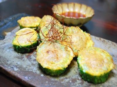 韓国の家庭料理!ゴーヤーの肉詰め焼き(ジョン)