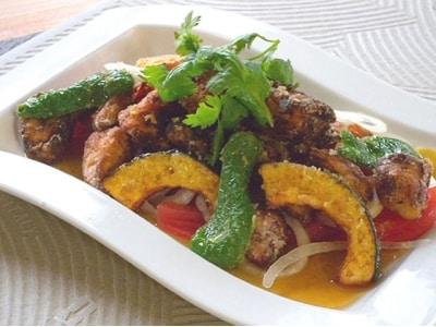 ピリ甘辛たれをかけた 鶏と野菜の揚げもの