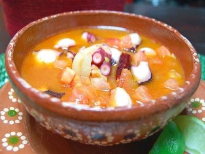 ピリッと美味しい メキシコ風タコとトマトの炒めもの