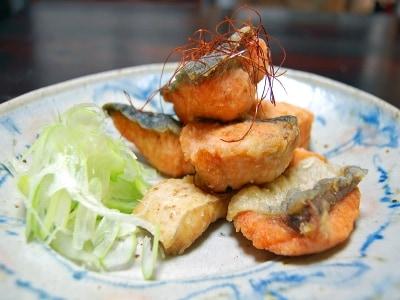 中国風秋鮭の五香粉揚げ