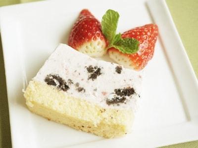 牛乳パックで作る、いちごのアイスケーキ