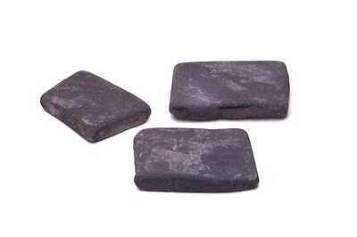 プレート状の石