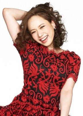 """ローレン役のソニンさん。高知県出身、『ミス・サイゴン』『モーツァルト!』『RENT』などで活躍。今回のシンディ・ローパーによる楽曲は「この前(三浦)春馬くんも""""ミュージカルの歌って練習していると難しさばかり感じがちだけど、今回は全くそうならないね""""と言っていたほど、とても前向きになれる曲ばかり。歌っていて楽しいです」という。"""