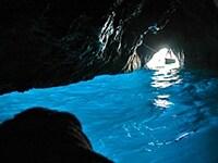カプリ島の青の洞窟