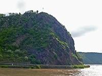 ローレライの岩山