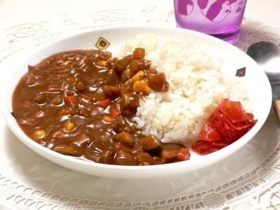 炊飯器でカレーとご飯を同時に調理!