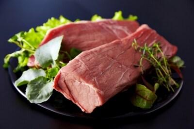 赤身のお肉、牛もも肉ブロックを使って作るのでヘルシー