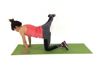 自慢したくなるヒップエクサ3undefined右脚をまっすぐ横に伸ばします