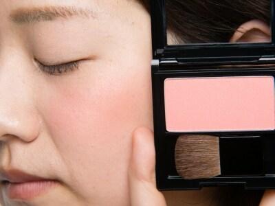 年齢や肌色を問わず透明感がアップする優秀アイテム