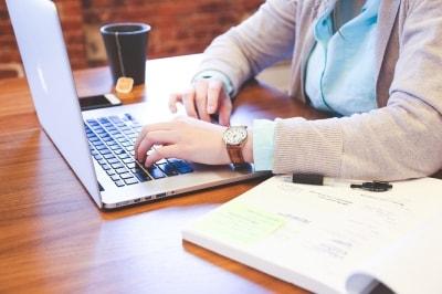 仕事の合間にささっと出会えるオンライン婚活