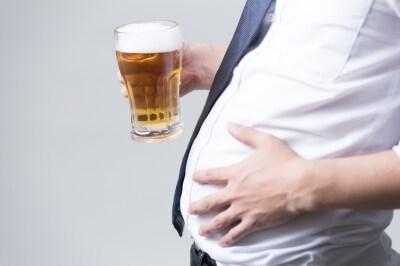 中年太りはなぜ起きる?