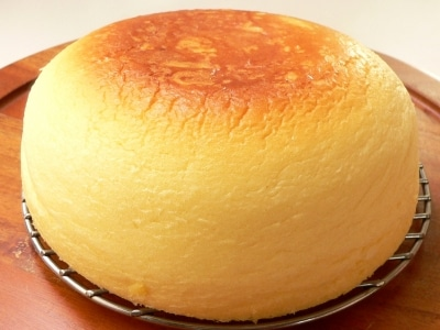 炊飯器で簡単チーズケーキ!ふわふわスフレタイプの作り方・レシピ