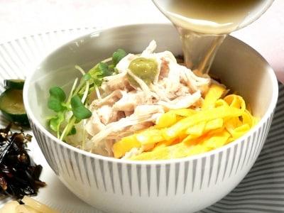 鶏がらスープで味つけ簡単!鶏飯(けいはん)レシピ