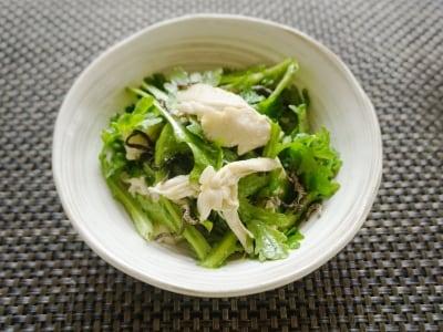 柚子胡椒がピリリ!生の春菊とささみの塩昆布サラダ