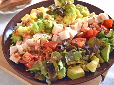 ロマネスコのコブサラダのレシピ……アボカドやトマトで華やかに!