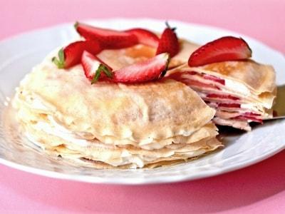 ホットケーキミックスで簡単、いちごのミルクレープ