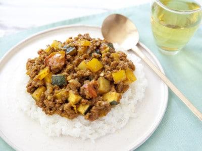 野菜たっぷり夕飯レシピ!美味しいキーマカレーの作り方