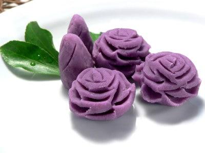簡単で豪華な、さつまいものきんとんの薔薇の花