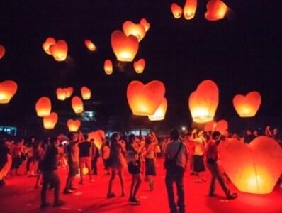 七夕情人節はチャイニーズ・バレンタインとも呼ばれる、台湾でもっとも人気が高いイベントのひとつです。七夕情人節の内容や、日本の七夕との違いなどをご紹介いたします。のサムネイル画像