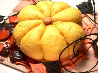炊飯器で作る、大きくてふわふわ!かぼちゃパン