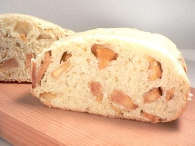 砂糖不使用で甘さたっぷり!炊飯器でりんご食パン