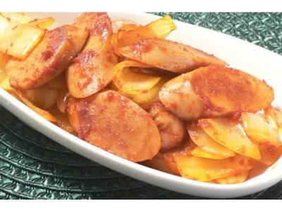 魚肉ソーセージでパパッと一品!カレー粉一振りの簡単ケチャップ炒め