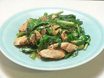 韮と鶏胸肉で作る、にらとり炒め