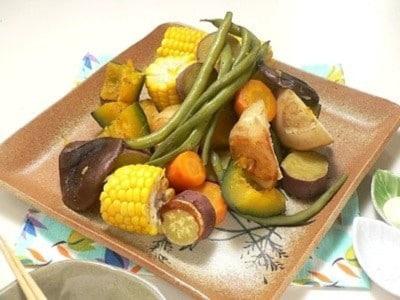 炊飯器で作る蒸し野菜レシピ!旨味を逃さない作り方
