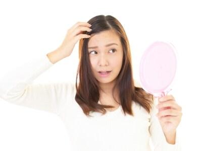 「最近白髪が増えてきた……」と感じたら生え方をチェック!