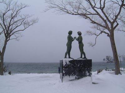 冬の十和田湖(2)/乙女の像