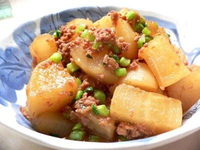 大根とひき肉の煮物レシピ!大根のピリ辛煮