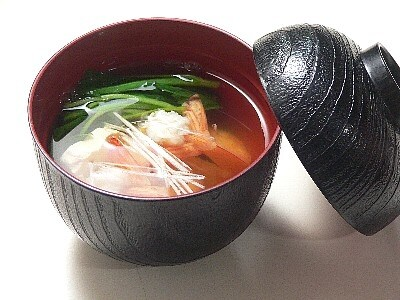 お食い初めの、花えびと花豆腐のお吸い物