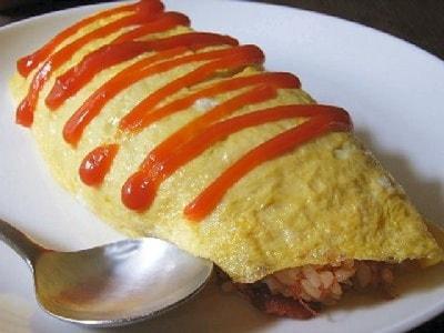 コンビーフオムライスのレシピ……簡単、お昼ごはんにもおすすめ!